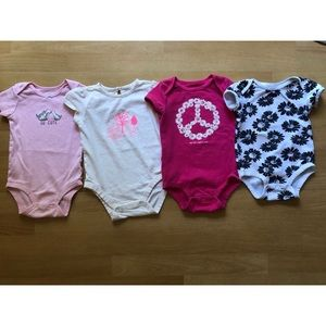 Bundle of 4 onsies 18 months